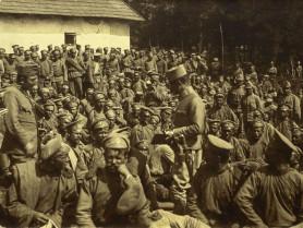 Полонені солдати російської армії в Демидівці