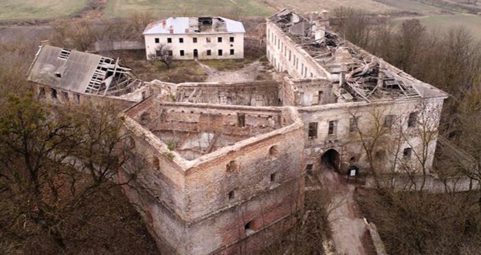 Замок у Клевані