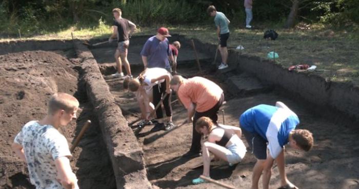 Археологічна експедиція в урочищі Шанків Яр