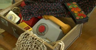Лучанка передала музею родинні старожитності