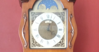 Годинник старовинної майстерні «Franza Hermle»