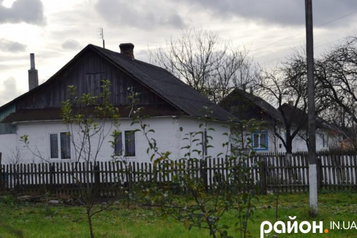 Вулиця у селі Берестяне, яка утворилая після Другої світової війни, коли жителів хуторів змусили переїхати у село і виникла так звана вулична забудова
