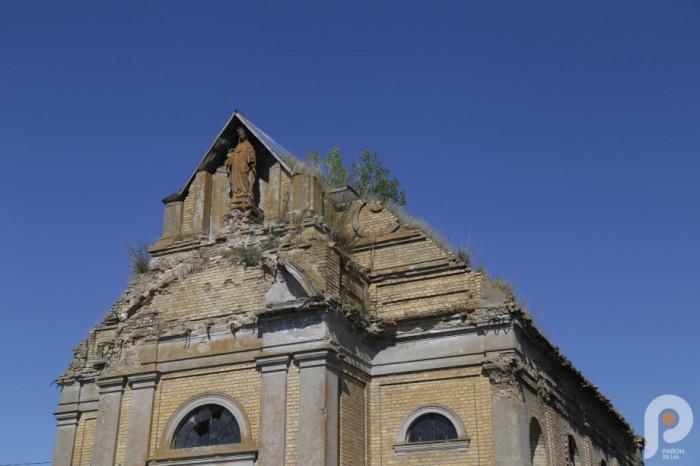 Попри незначну численність, громада дуже завзята. Уже вдалося виготовити проєктно-кошторисну документацію на відновлення даху та вікон святині, тривають перемовини з людьми, які можуть стати інвесторами реконструкції.