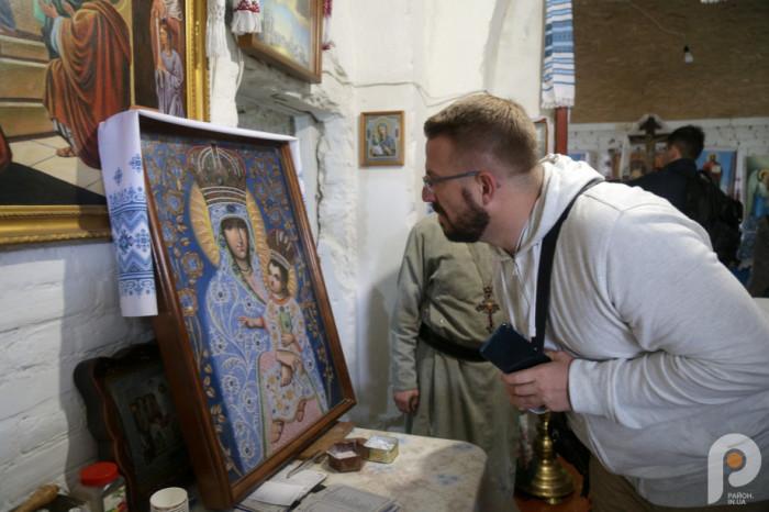 Копія ікони Марії Сніжної, яку раніше виявили у костелі. Оригінал зберігається у Волинському краєзнавчому музеї