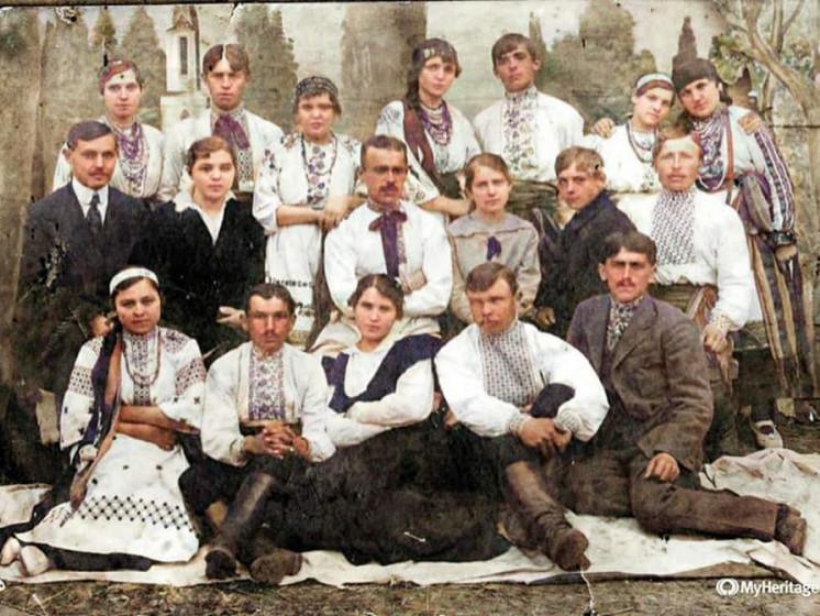 Любомльчани у вишиванках