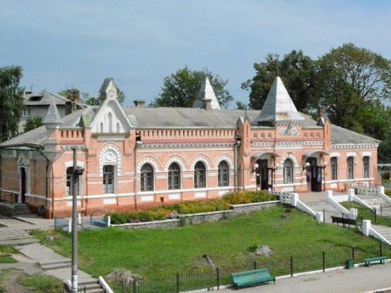 Вокзал у Маневичах (сучасний вигляд)
