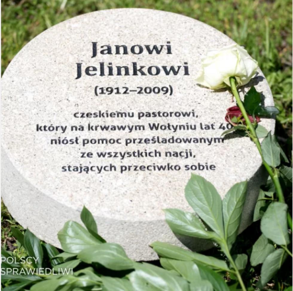 Пам'ятний знак Янові Єлінеку у Варшавському саду Праведників.