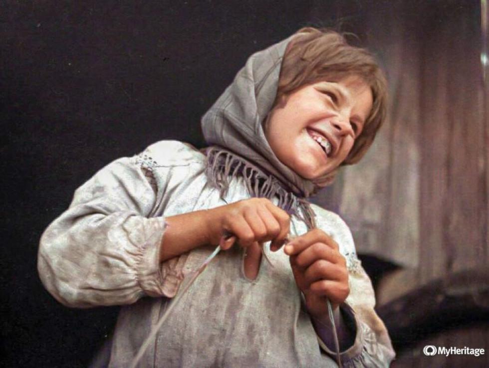 Дівчинка із с. Старе Село, 1934 р