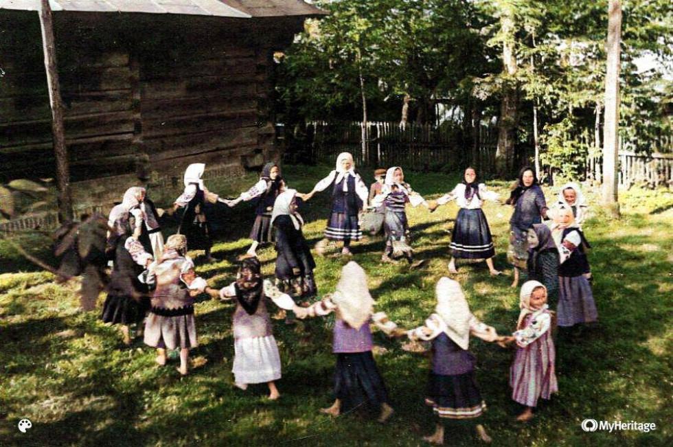 Дівчатка із села Микове поблизу Ківерець на Волині, початок ХХ ст.