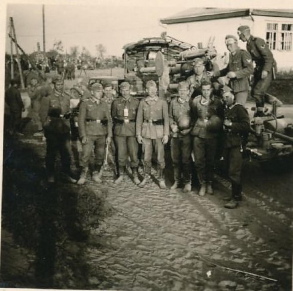 Групове фото окупантів