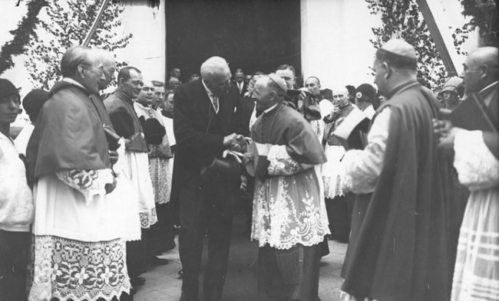 Духовенство під час візиту польського президента