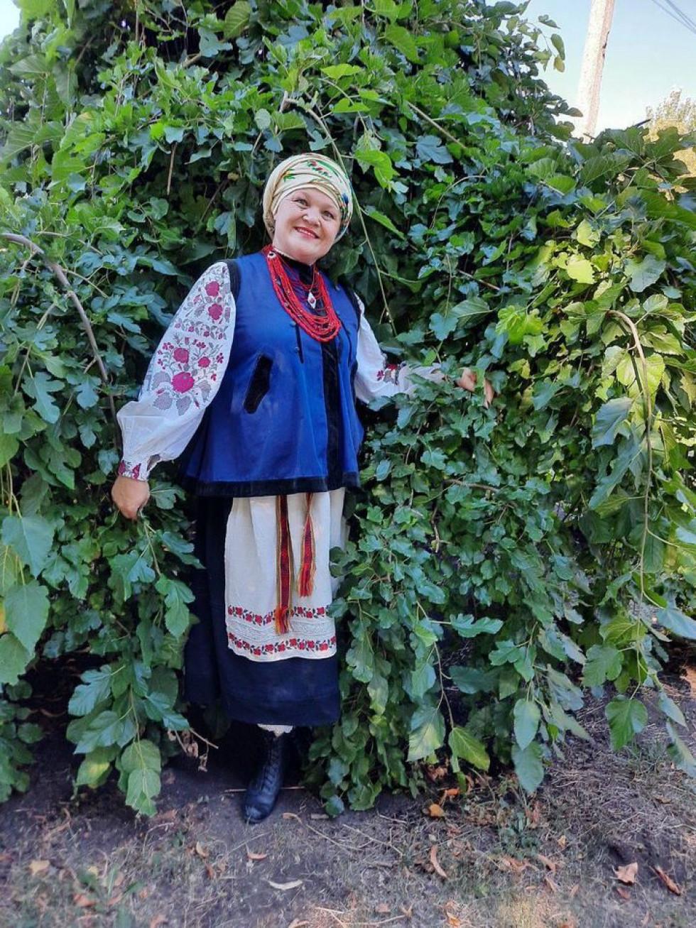 Керівниця гурту Ірина Крюченко у вбранні своєї прабабусі